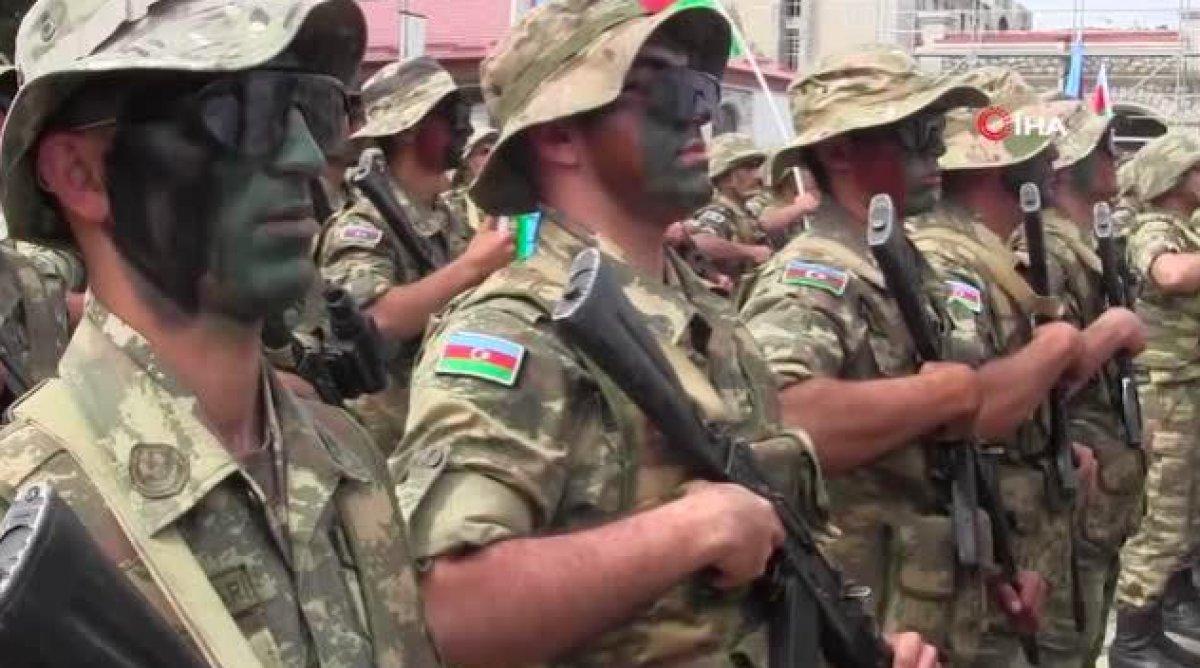 Azerbaycan da Cumhuriyet Günü nü mehter marşıyla kutladı #3