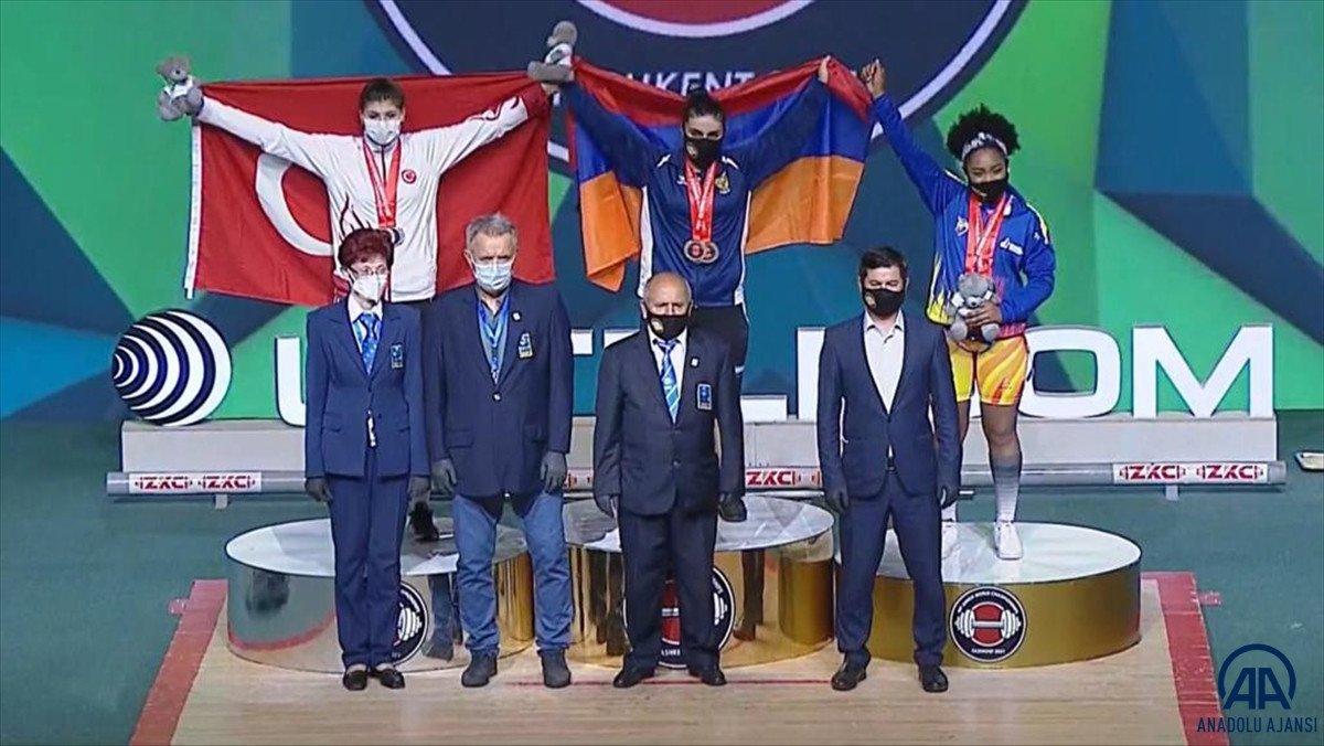 Dünya Gençler Halter Şampiyonası nda Dilara Uçan dan altın madalya #3