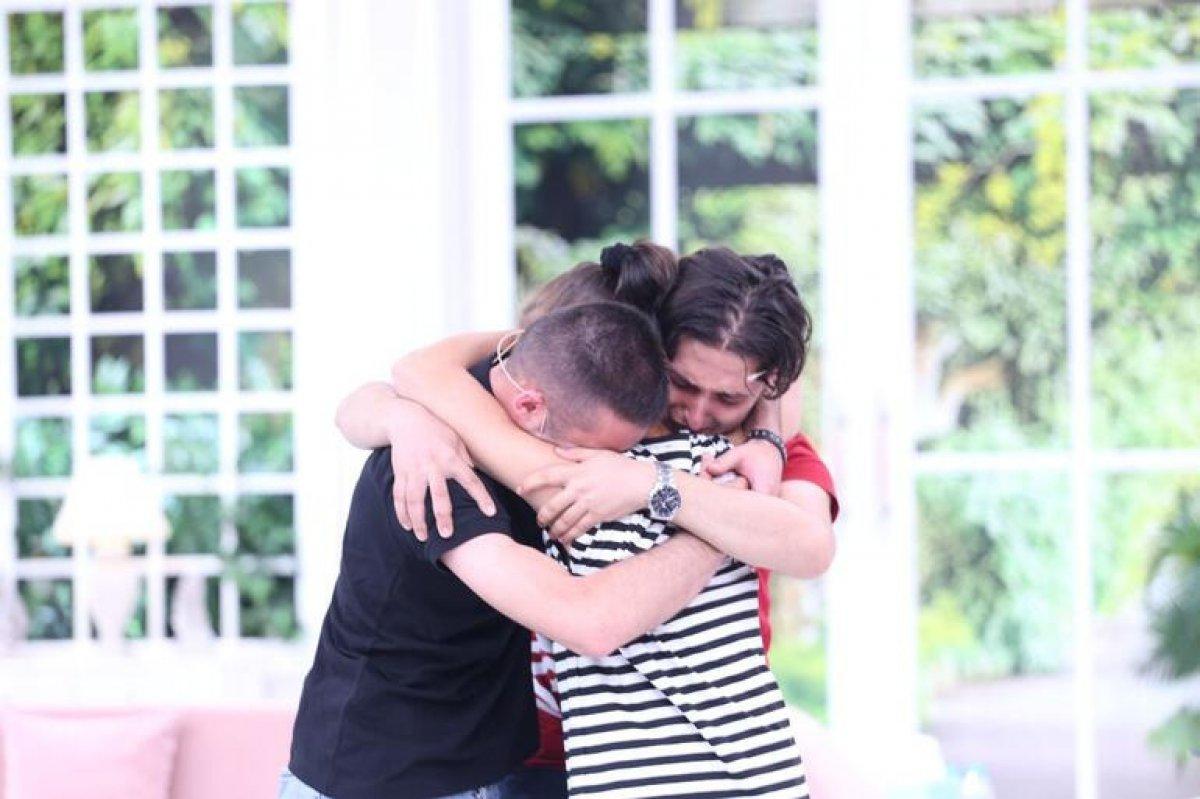 Esra Erol u ağlatan kavuşma: 20 yıl sonra annelerini buldular #1