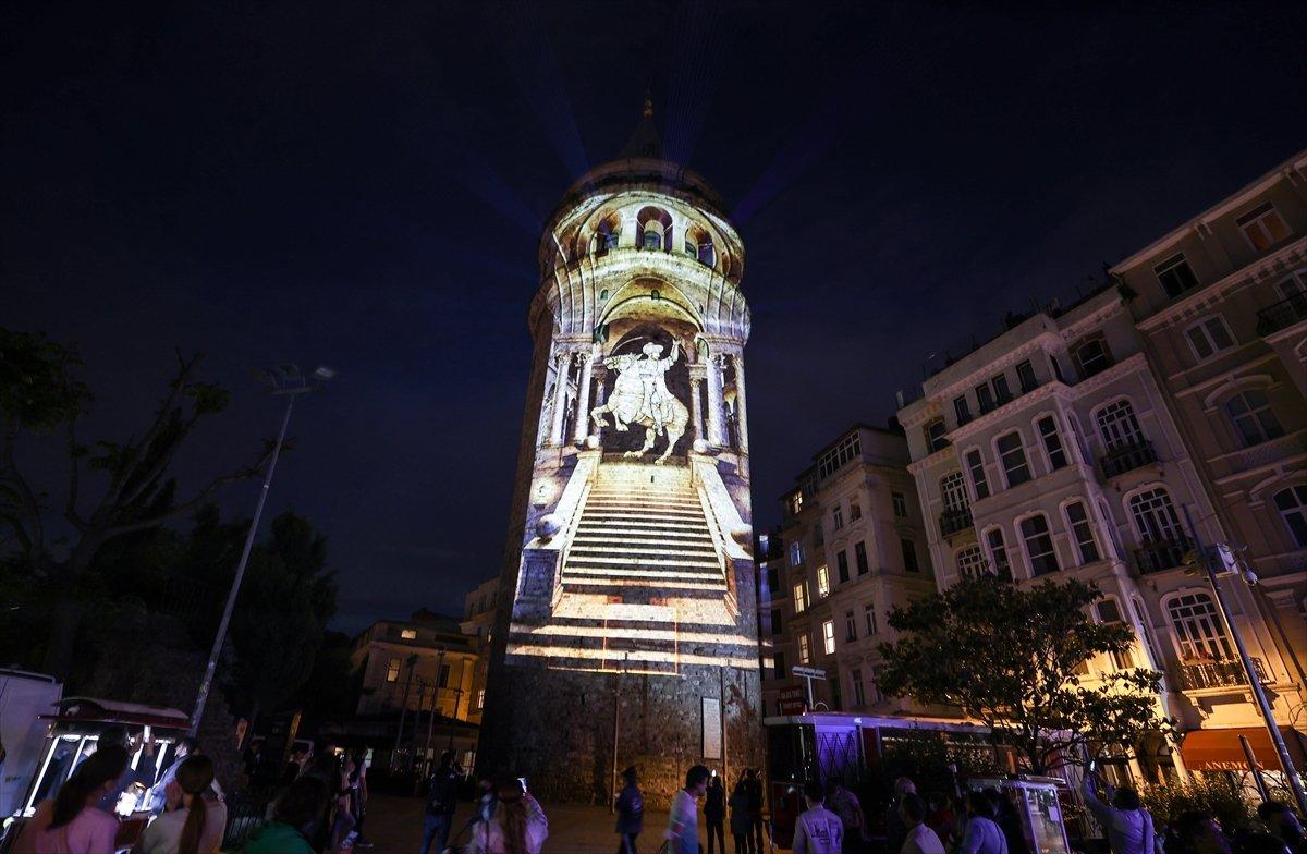Ayasofya Camii ve Galata Kulesi nde sky mapping gösterisi #8