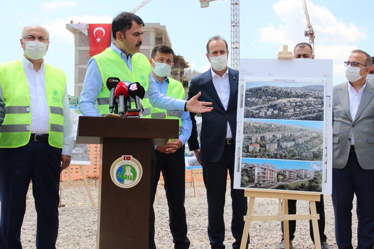 İzmir de CHP'li vatandaşlar, Murat Kurum'a konutlardan dolayı teşekkür etti #3