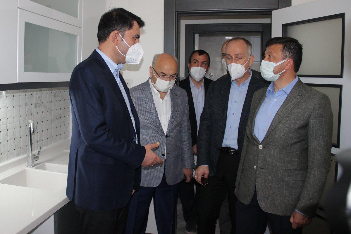 İzmir de CHP'li vatandaşlar, Murat Kurum'a konutlardan dolayı teşekkür etti #7