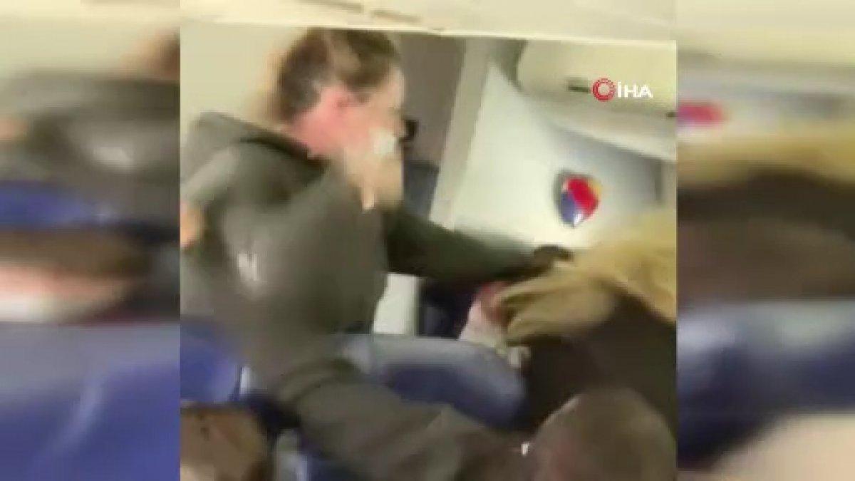 ABD uçağında yolcuyu uyaran kabin görevlisi darbedildi  #2