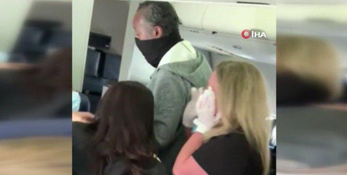 ABD uçağında yolcuyu uyaran kabin görevlisi darbedildi  #3