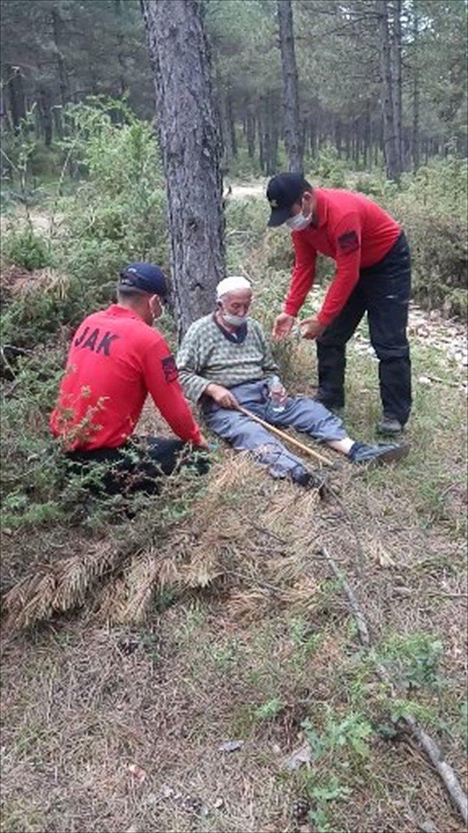 Kastamonu da kaybolan yaşlı adam akıllı saat sayesinde bulundu #3