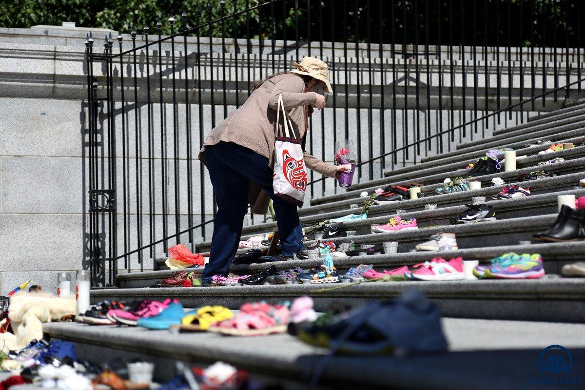 Kanada'da eski yatılı kilise okulunun bahçesinde 215 çocuğun ceset kalıntıları bulundu  #5