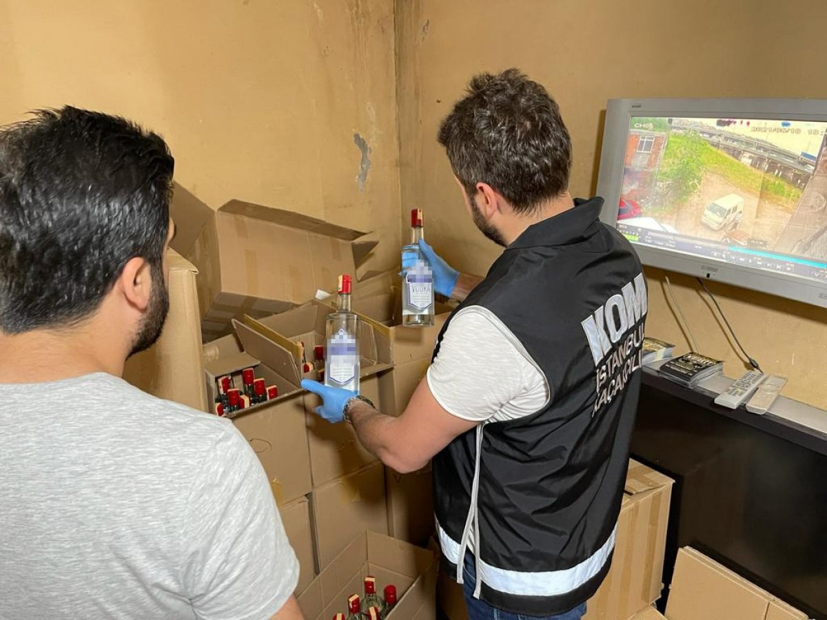 Başakşehir de 2 ton kaçak içki ele geçirildi #2