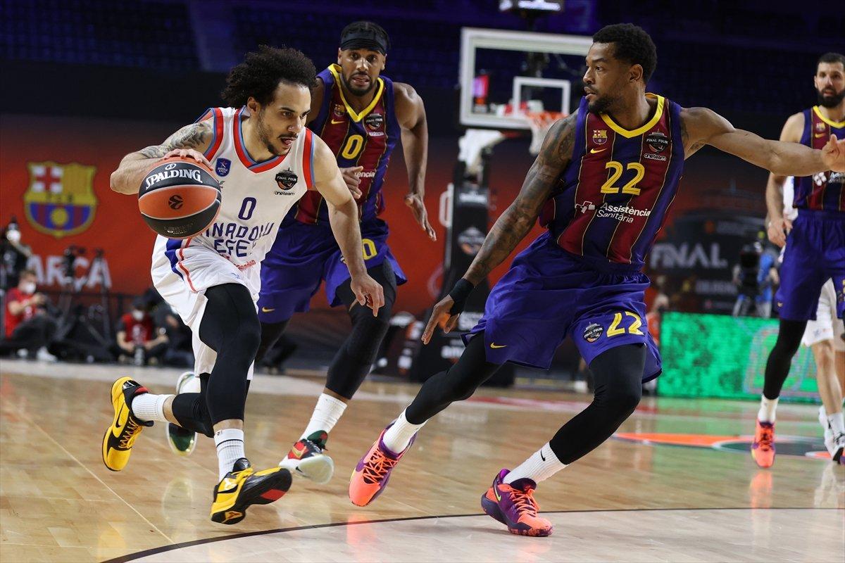 Barcelona'yı mağlup eden Anadolu Efes EuroLeague şampiyonu oldu #1