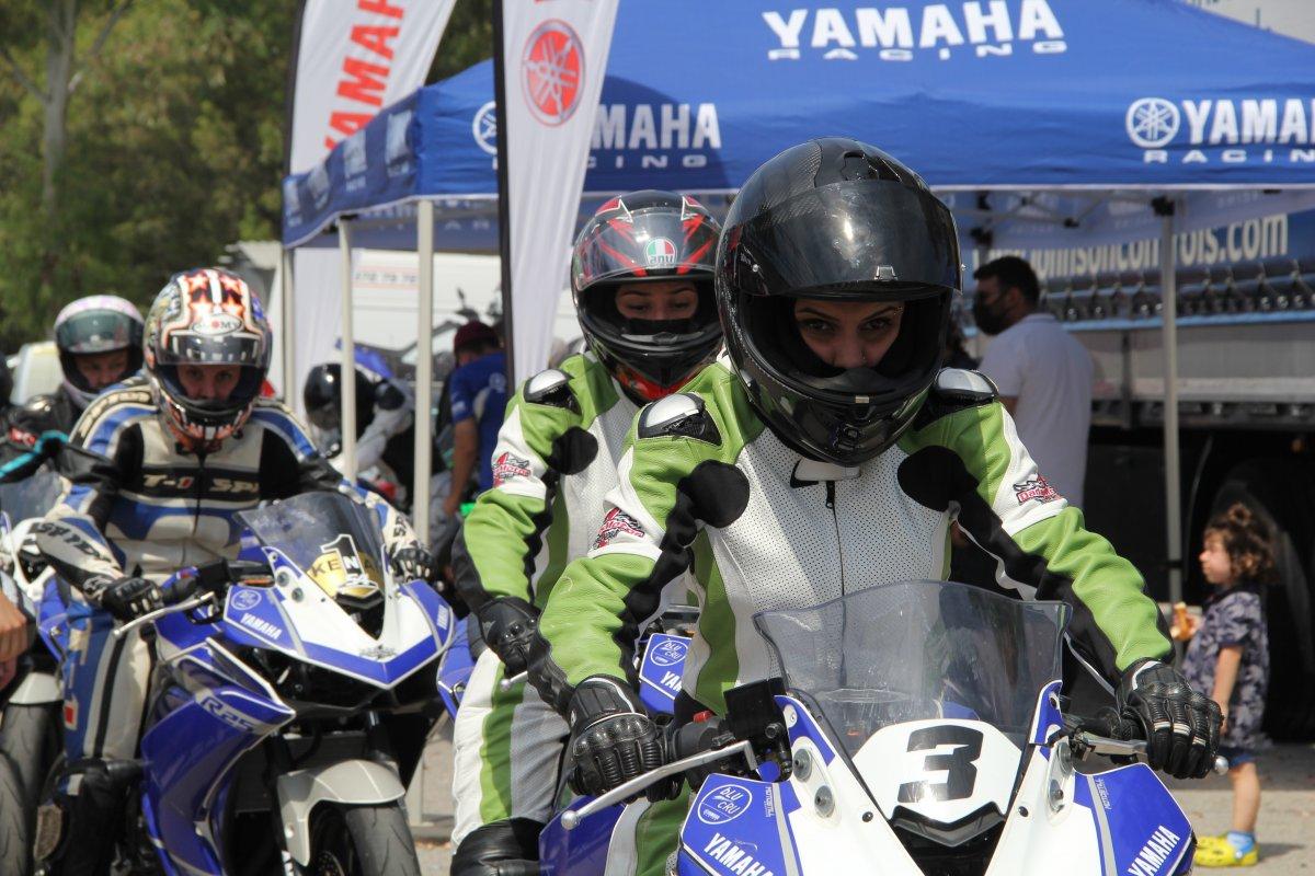 İzmir'de motosikletli kadınların nefes kesen yarışı #7
