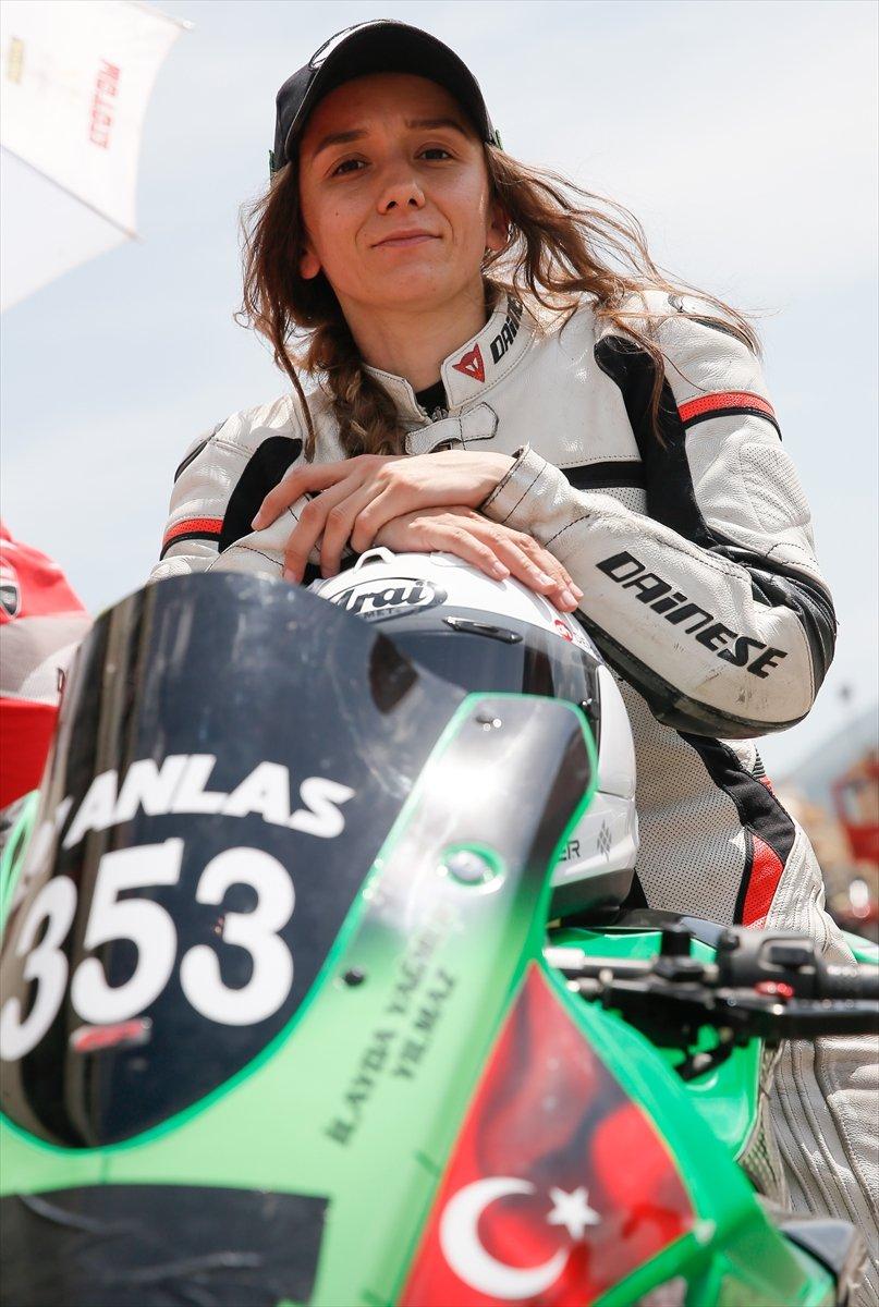 İzmir'de motosikletli kadınların nefes kesen yarışı #4