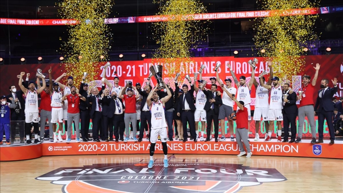 Hidayet Türkoğlu Anadolu Efes i tebrik etti #1