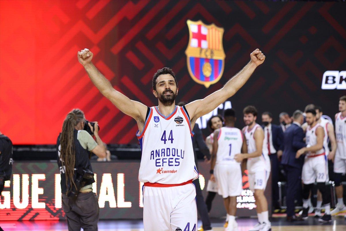 Barcelona'yı mağlup eden Anadolu Efes EuroLeague şampiyonu oldu #5