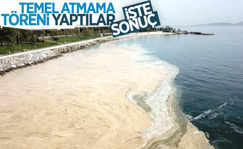 Marmara Denizi'ni deniz salyaları kapladı