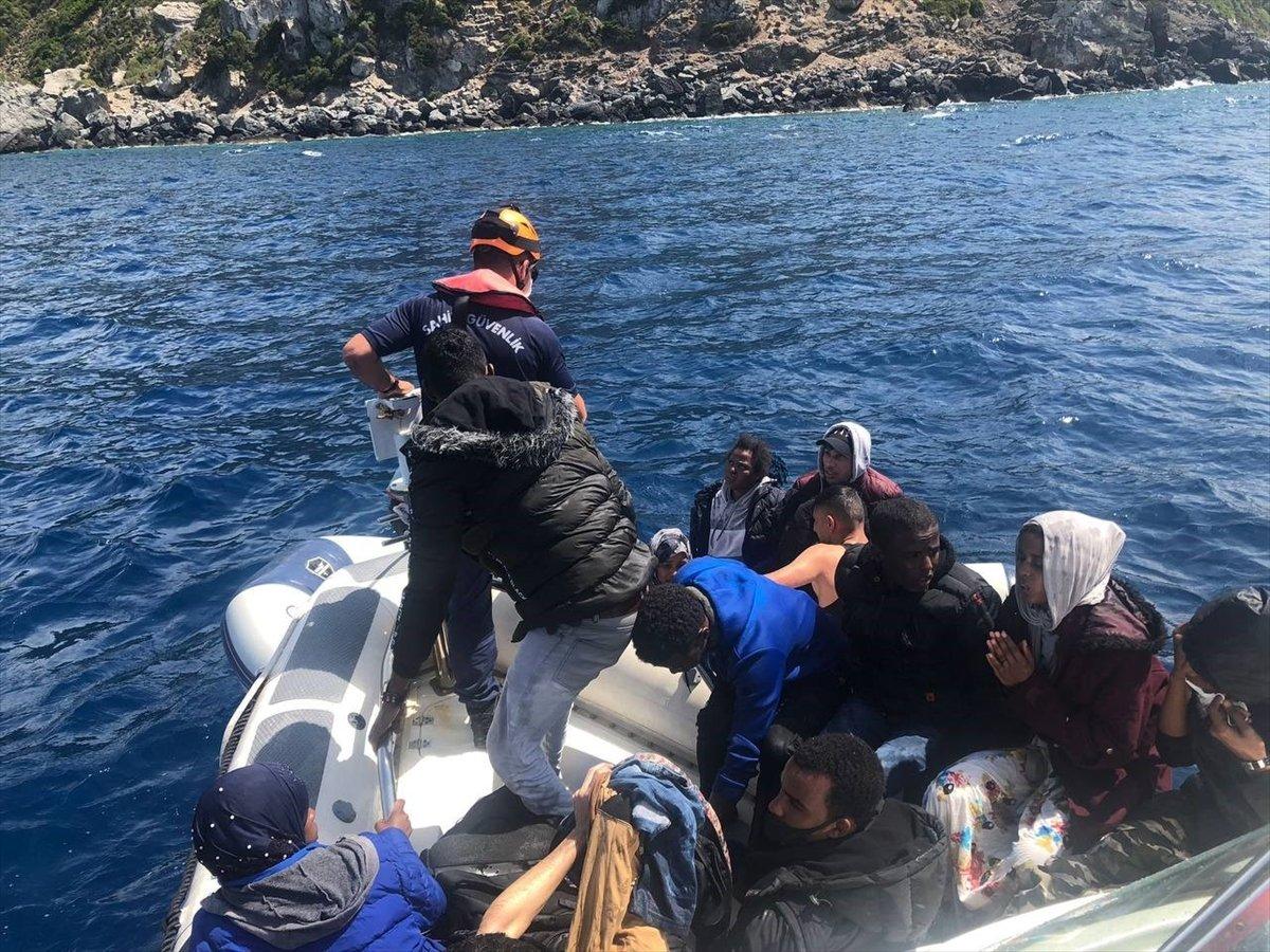 İzmir de 74 sığınmacı kurtarıldı #3
