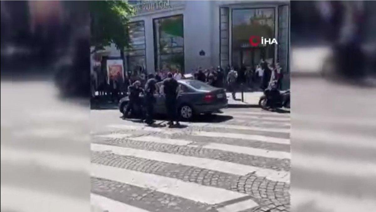 Fransa'da, otomobilini kalabalığın üzerine sürdü  #2