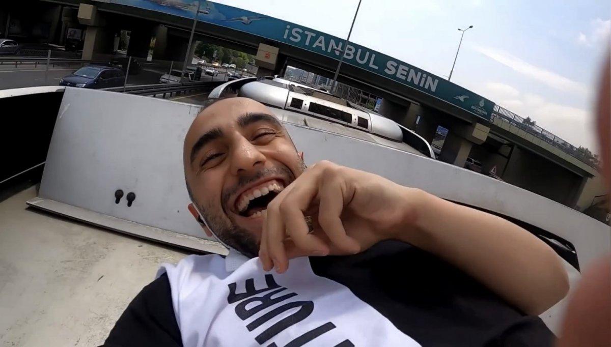 İstanbul da metrobüsün üzerinde tehlikeli yolculuk #1