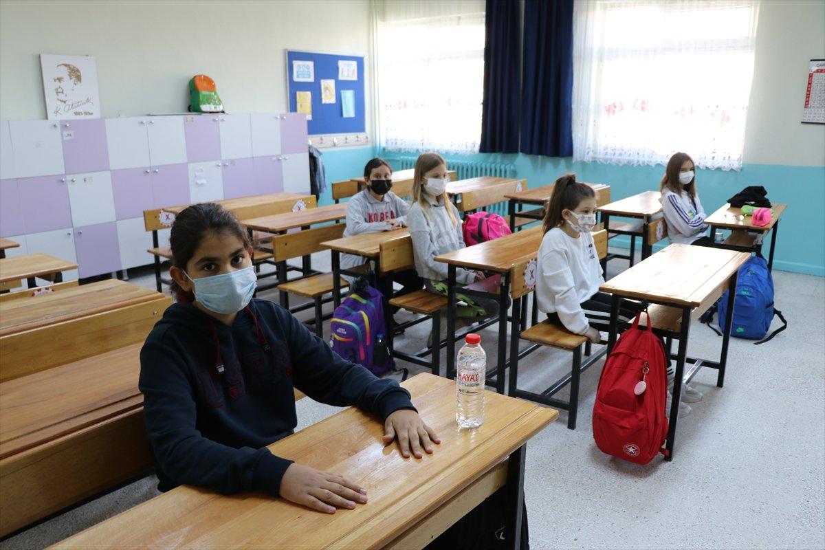 İlkokul ve ana sınıflarında yüz yüze eğitim başladı #2