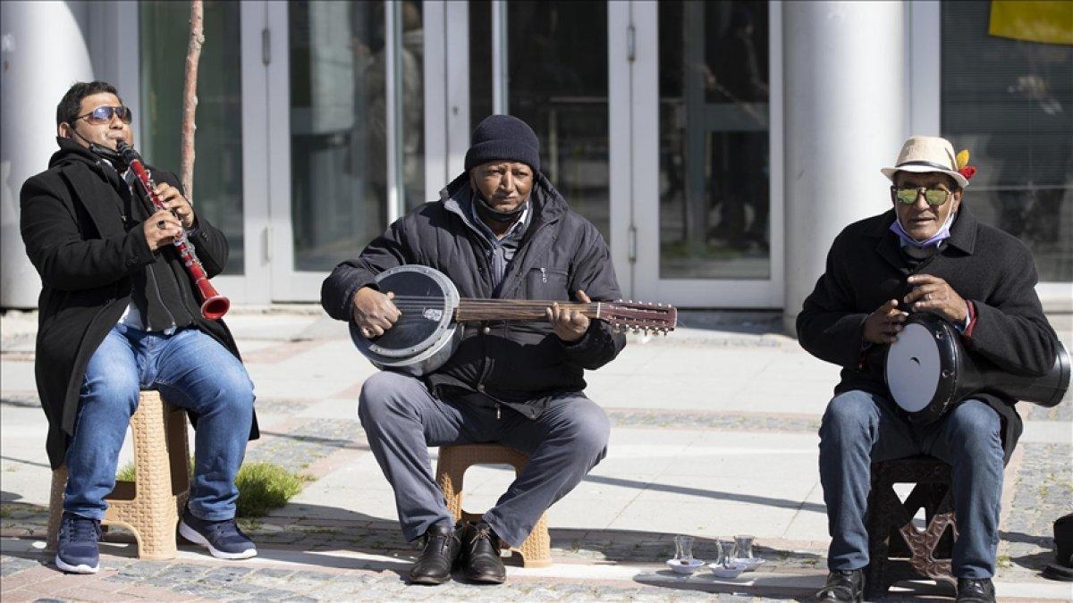 Kültür ve Turizm Bakanlığı müzisyenlere tek seferde 3 bin lira ödeme yapılacak #1