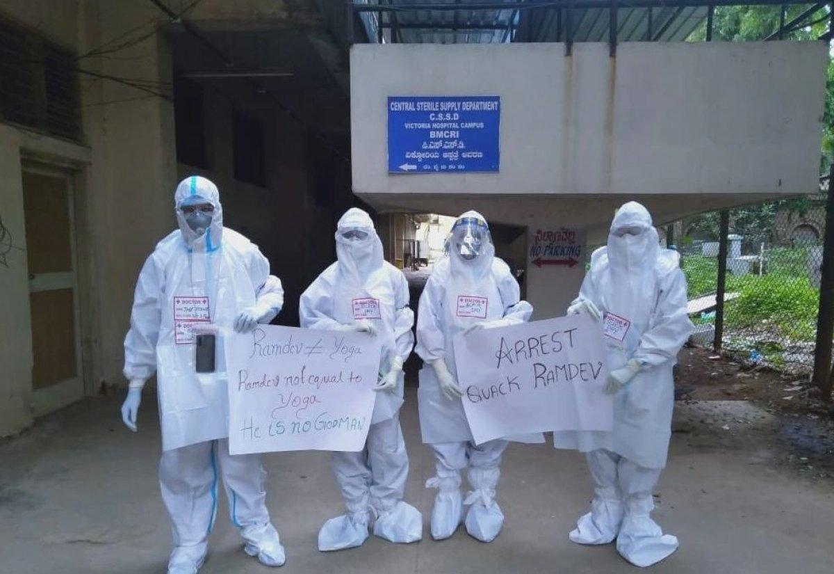 Hindistan da yoga gurusu Ramdev ile sağlık çalışanları karşı karşıya #7