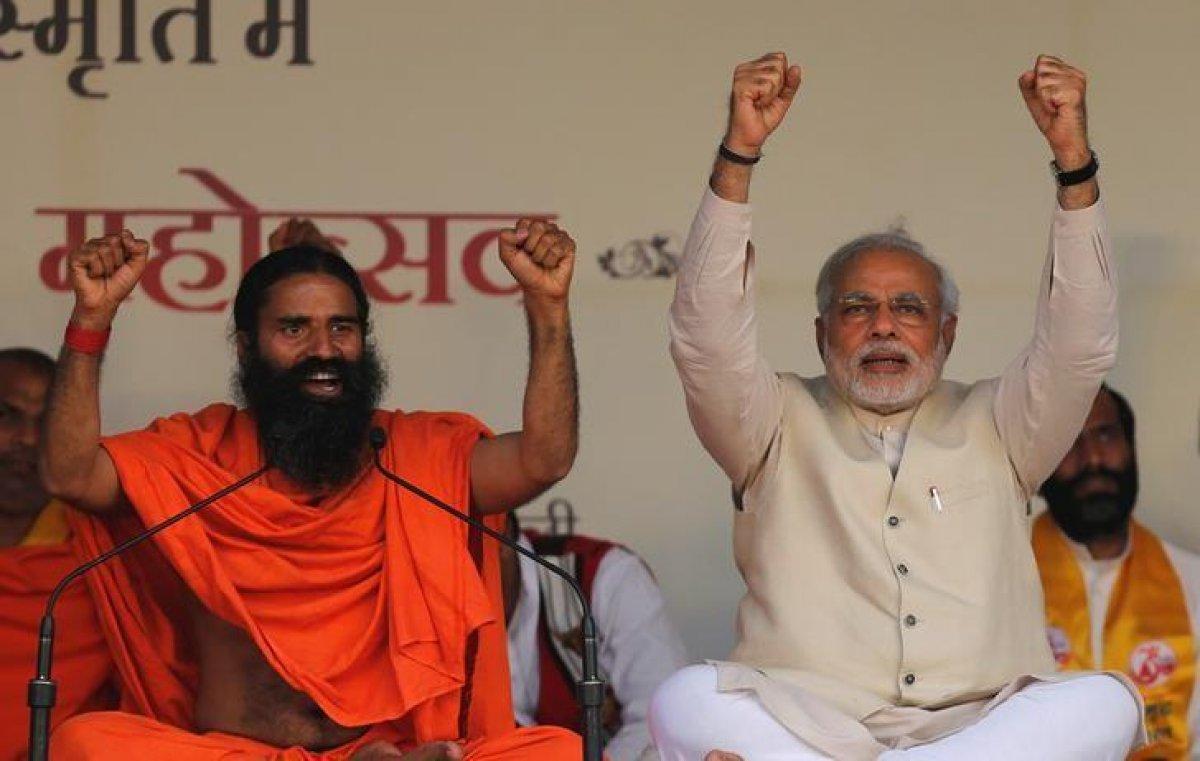 Hindistan da yoga gurusu Ramdev ile sağlık çalışanları karşı karşıya #3