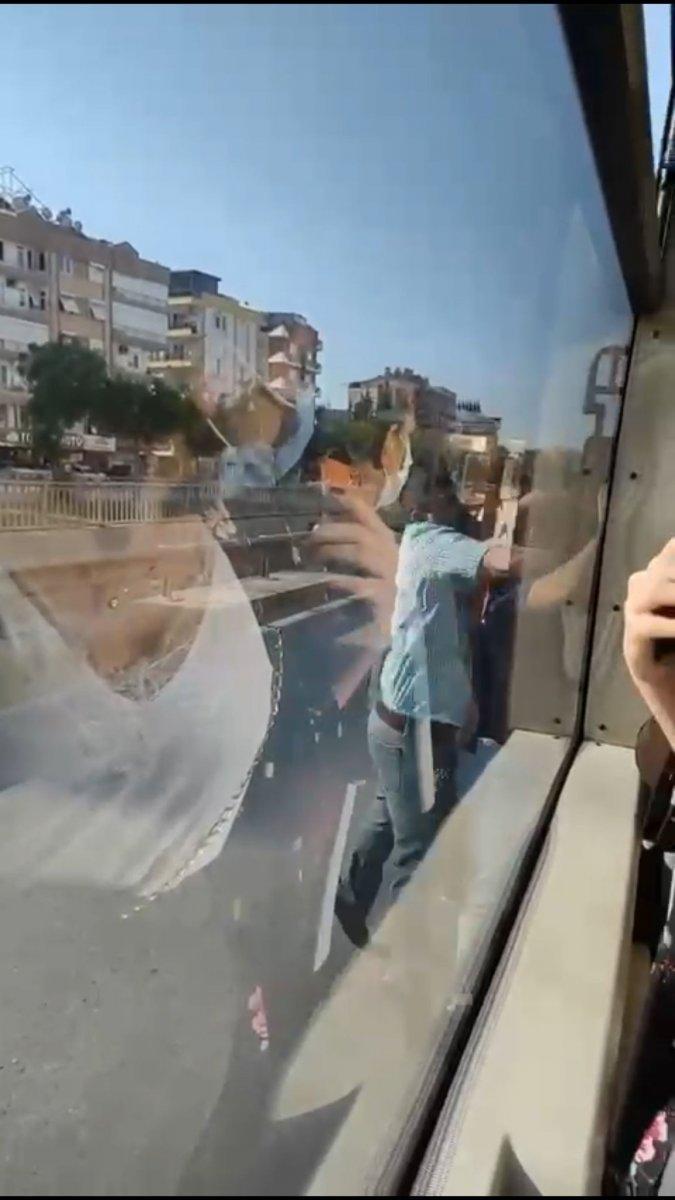 Antalya da yolcu otobüsü şoförüne paspaslı saldırı #1