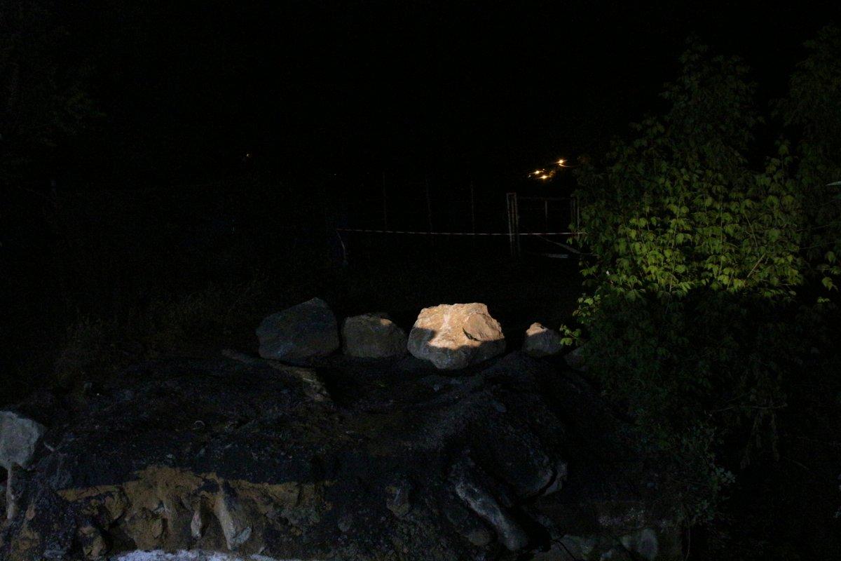 Sarıyer'de 3 gün önce çöken köprünün etrafı kapatıldı #1