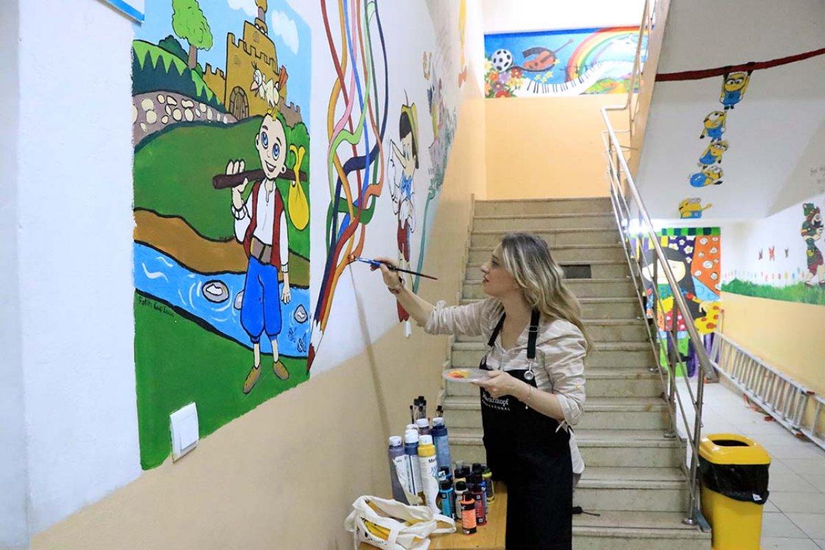 Elazığ da fırçasıyla okullar renkleniyor #1
