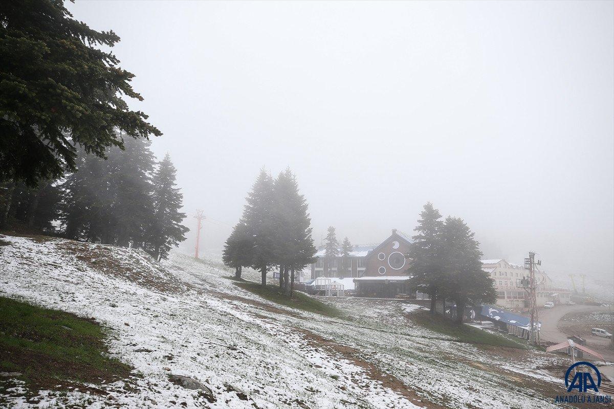 Uludağ'a Haziran ayında kar yağdı #10