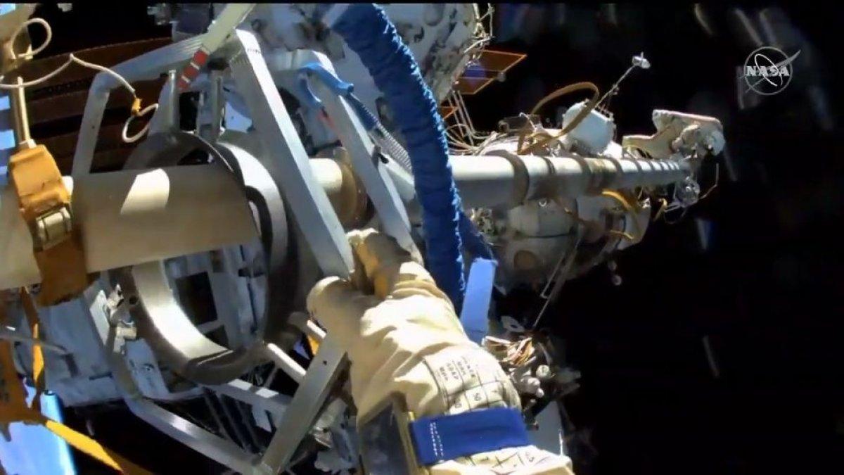 Rus kozmonotlar, 2021 yılının ilk uzay yürüyüşünü yaptı #3