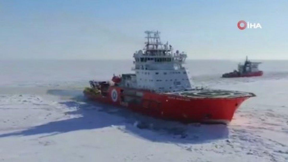 Kuzey Kutbu nda kaybolan köpeği, Rus buzkıran gemisi buldu #2