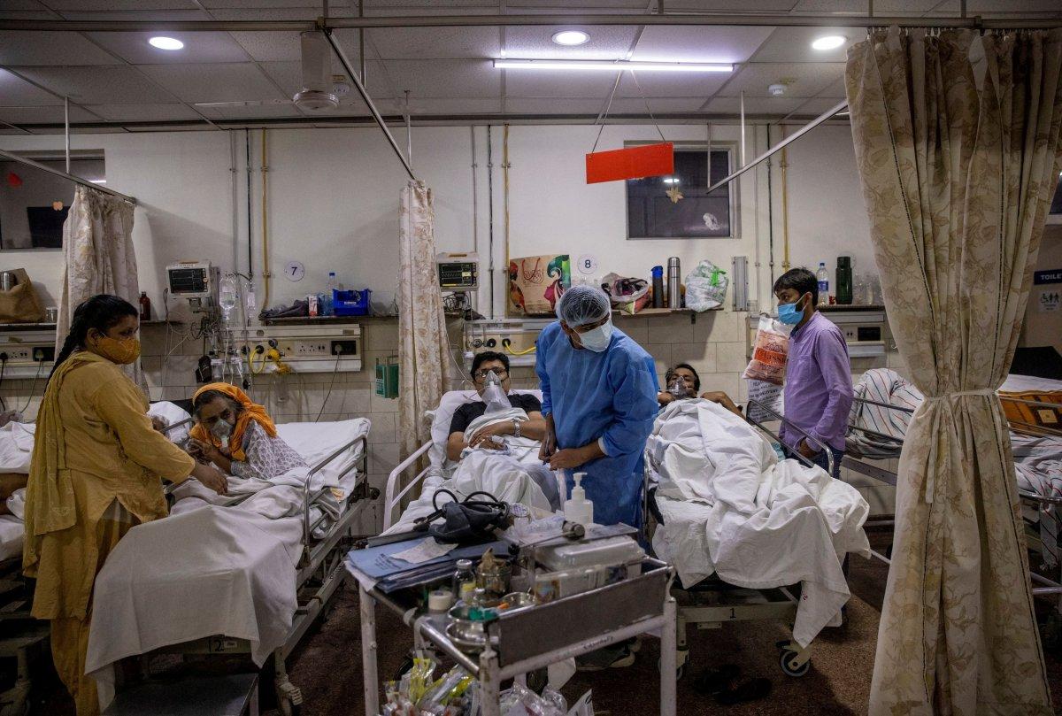 Hindistan'da koronavirüsten 2 bin 713 kişi öldü #1