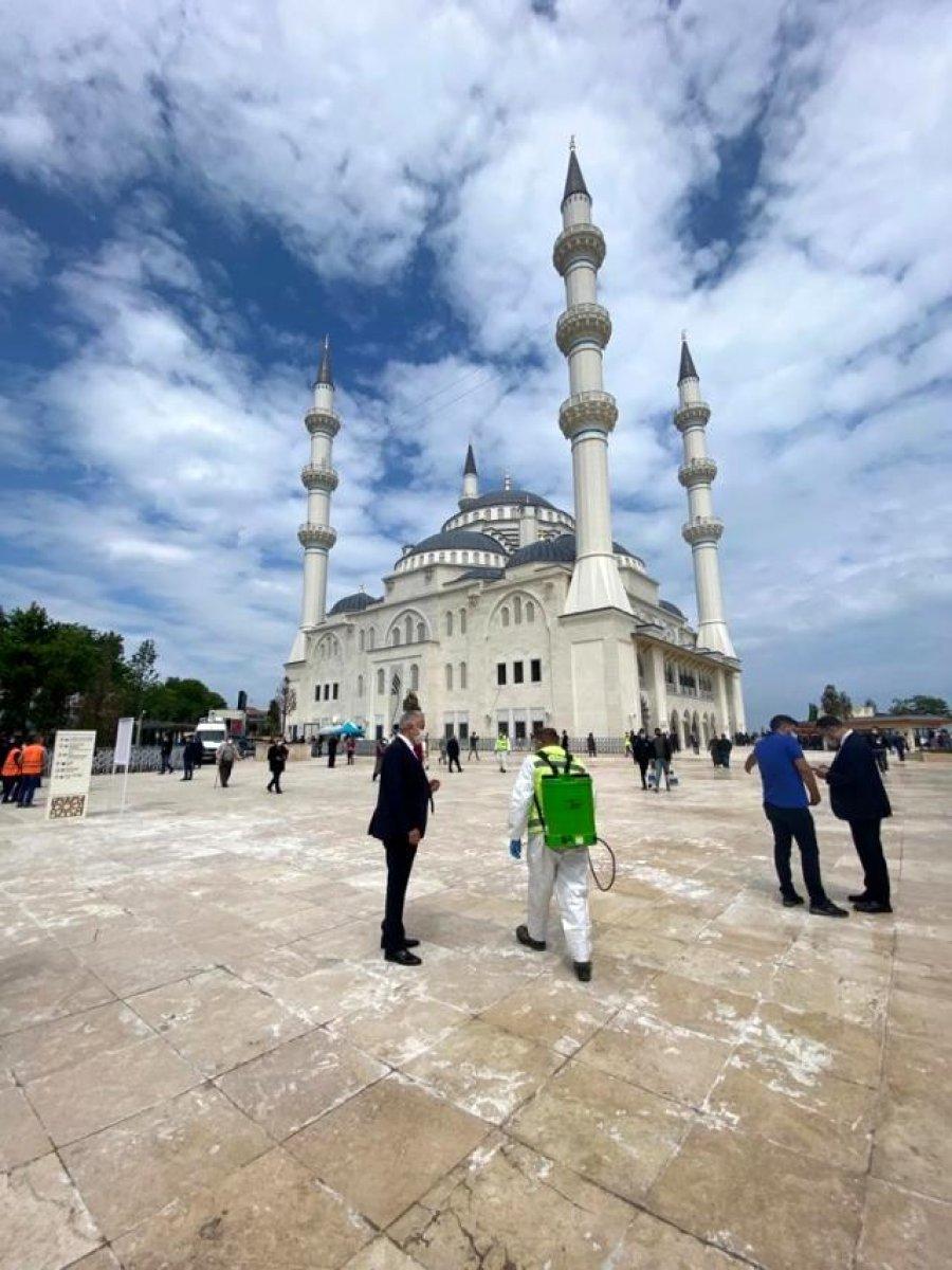 Uzun Mehmet Camii, ibadete açıldı  #24