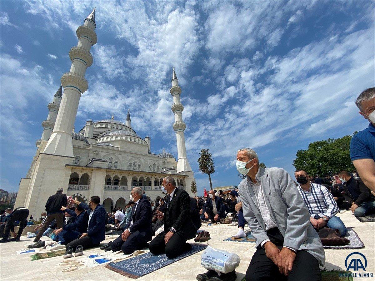 Uzun Mehmet Camii, ibadete açıldı  #10