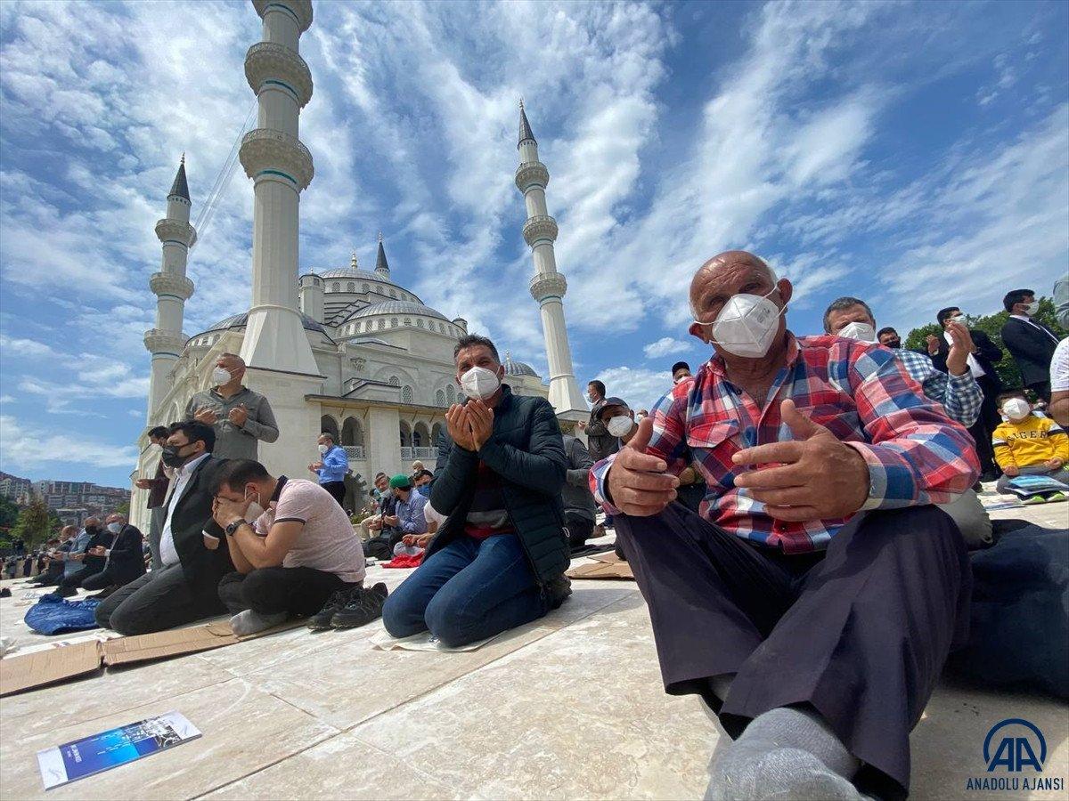Uzun Mehmet Camii, ibadete açıldı  #7