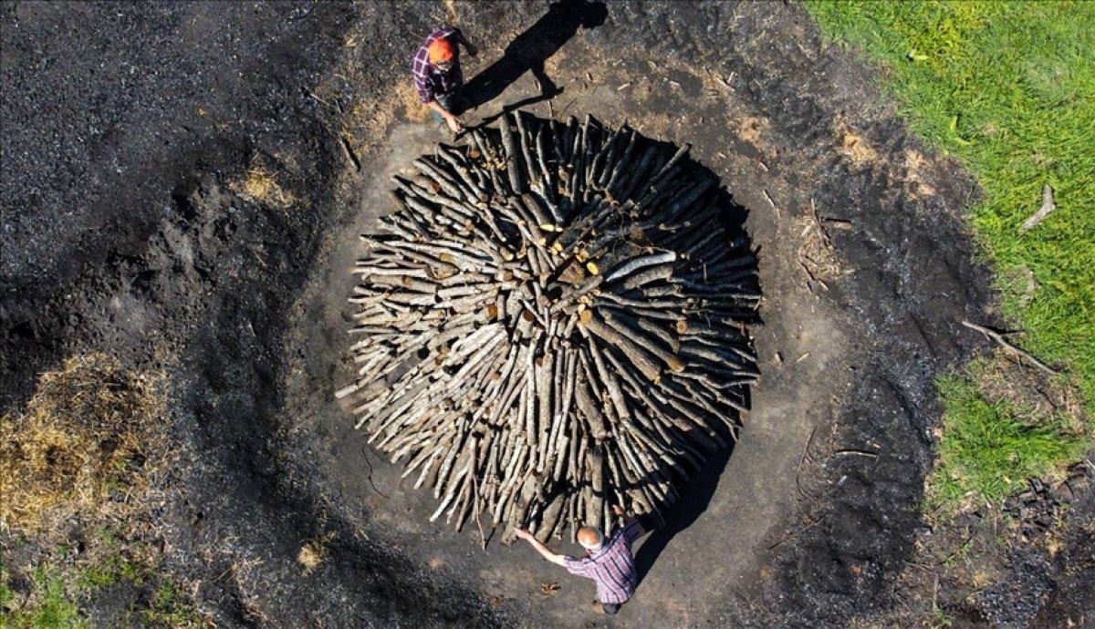 Bilecik te meşe odunlarını mangal kömürüne dönüştürüyorlar #9