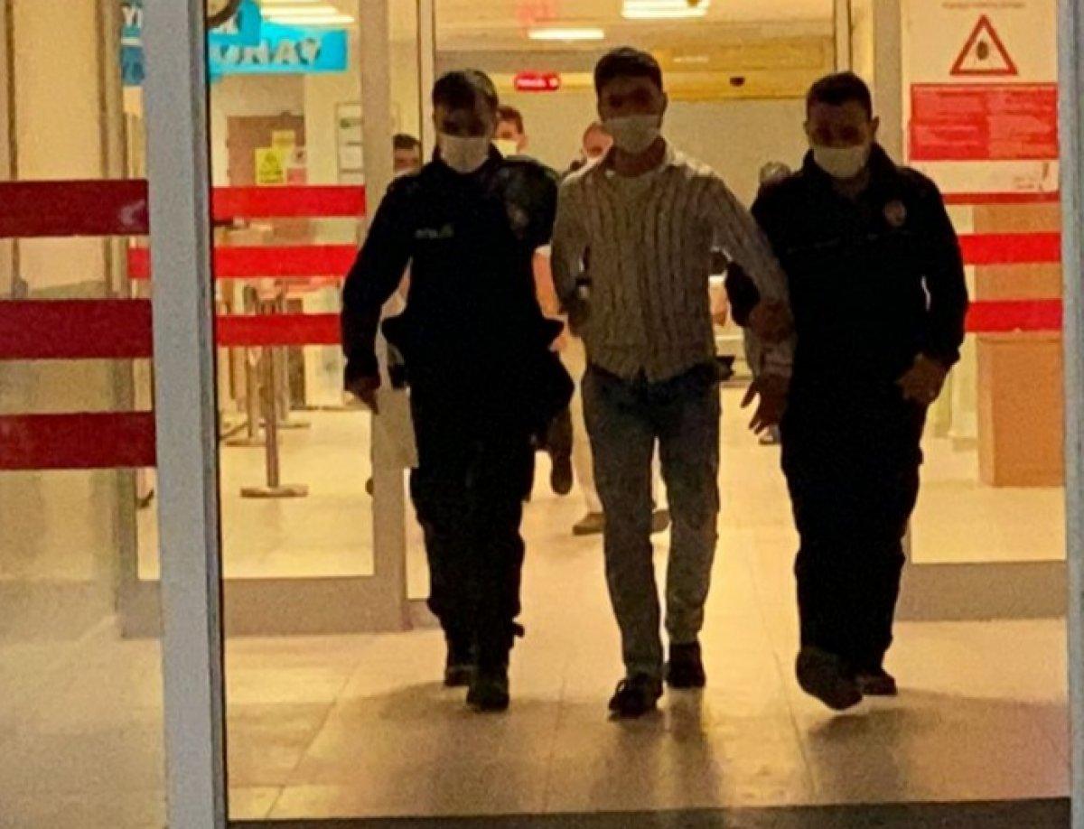 Bursa da Suriyeli gencin üzerinden  polis rozeti  ve  ruhsatsız tabanca  çıktı #5
