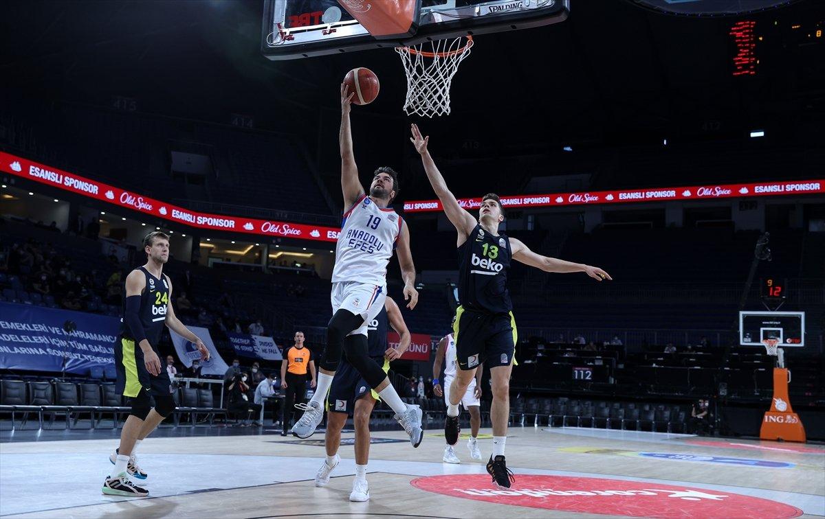 Anadolu Efes - Fenerbahçe maçında kavga #8