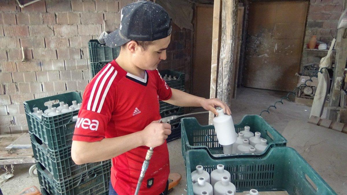 İznik te ürettiği el işi seramikleri Avrupa'ya ihraç ediyor #3