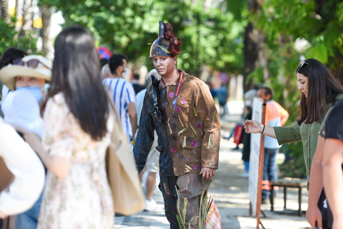 Antalya da canlı heykellerle çevreye duyarlılık çağrısı #2