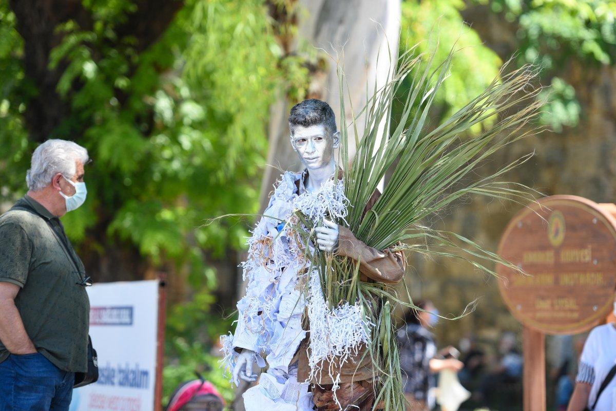 Antalya da canlı heykellerle çevreye duyarlılık çağrısı #3