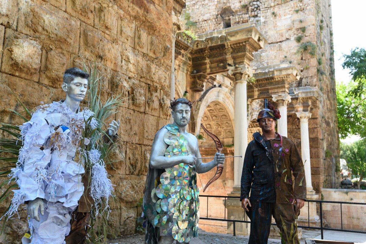 Antalya da canlı heykellerle çevreye duyarlılık çağrısı #5