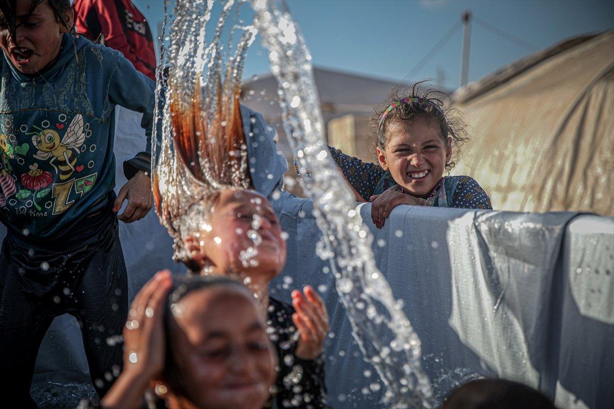 Suriyeli çocukların havuz keyfi  #2