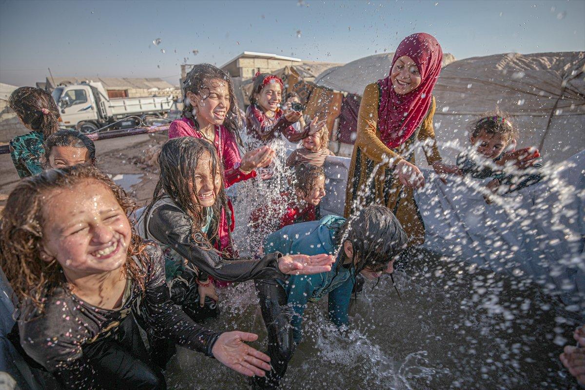 Suriyeli çocukların havuz keyfi  #1