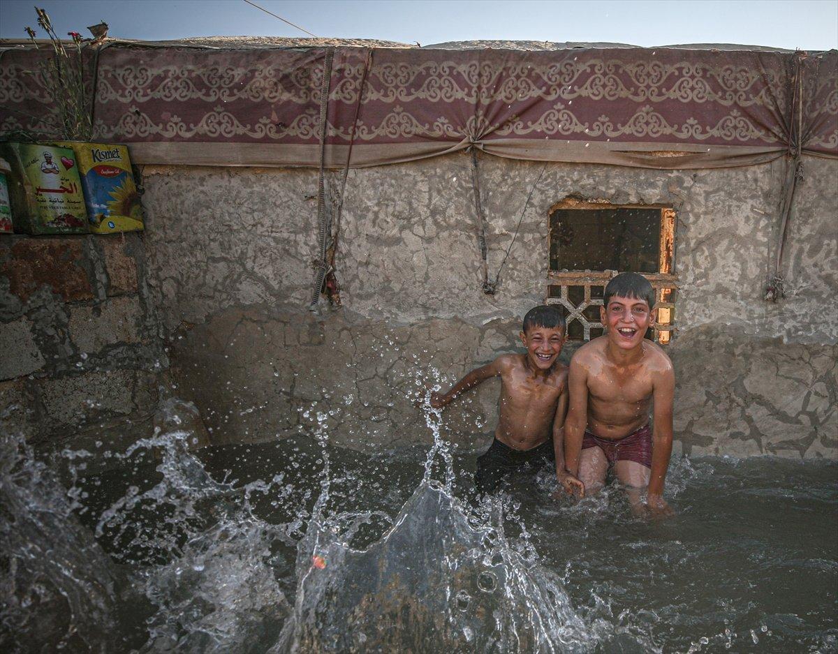 Suriyeli çocukların havuz keyfi  #8