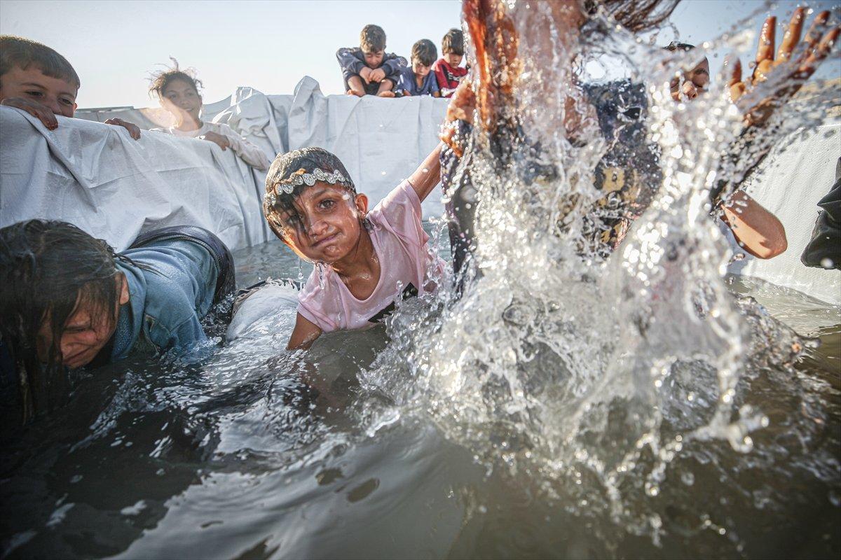 Suriyeli çocukların havuz keyfi  #3