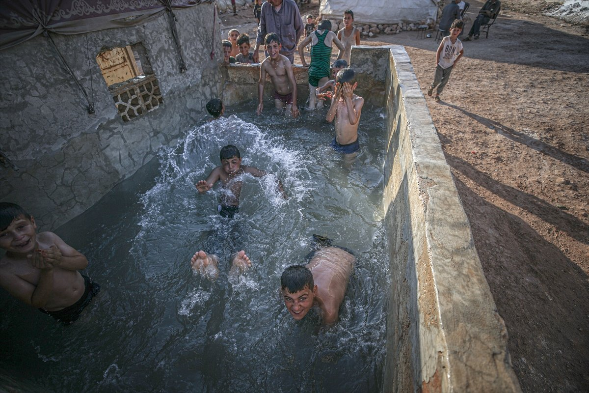Suriyeli çocukların havuz keyfi  #9
