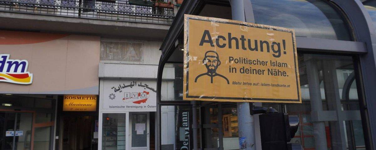 Avusturya'da Müslümanlara karşı ırkçı tabelalar #3
