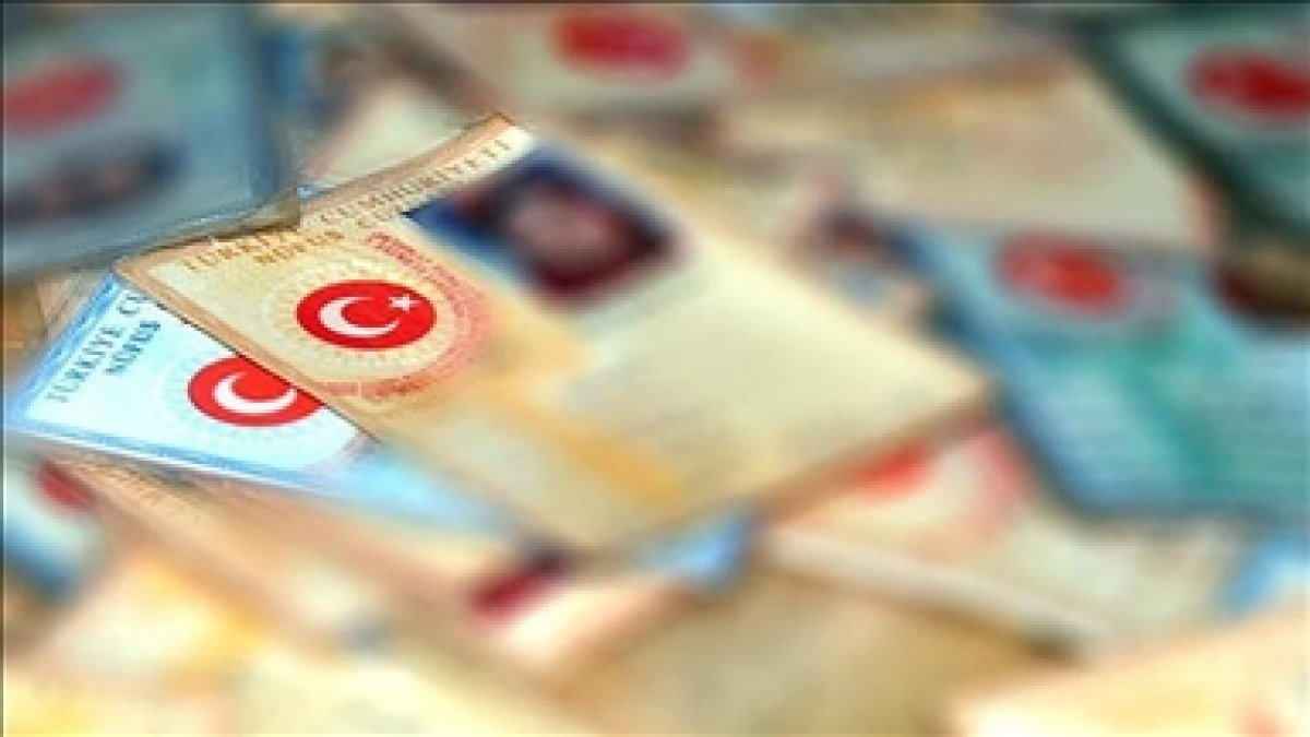 Türkiye den KKTC ye gidişlerde eski tip kimlik kartı kullanılamayacak #1