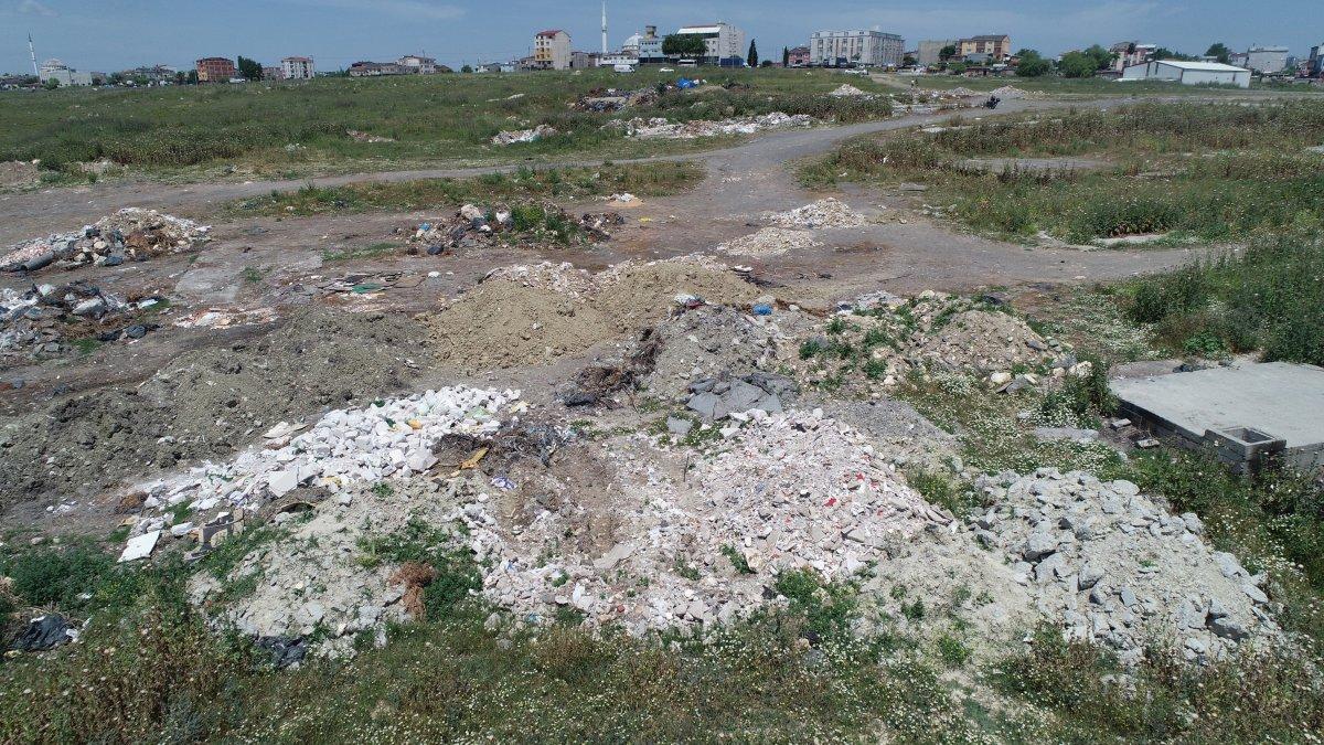 İstanbul'da mahalle içleri hafriyat döküm alanına dönüştü #2