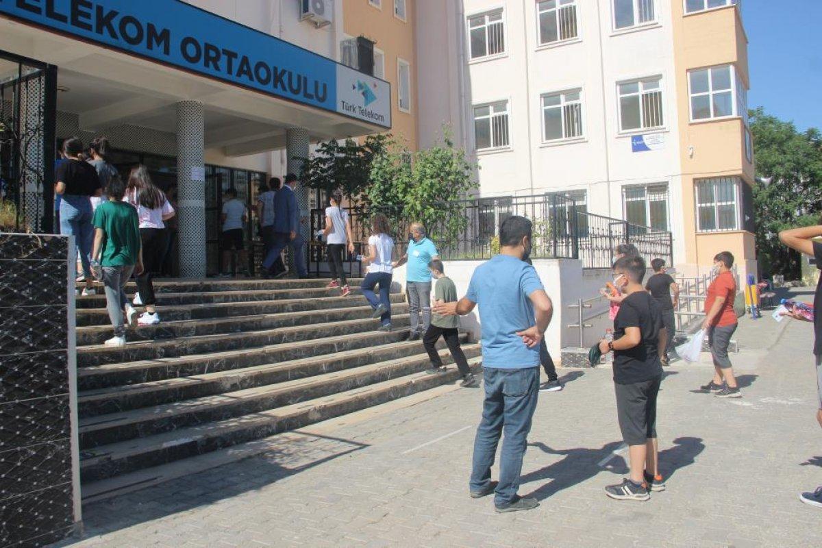 Türkiye genelinde LGS heyecanı yaşanıyor  #23